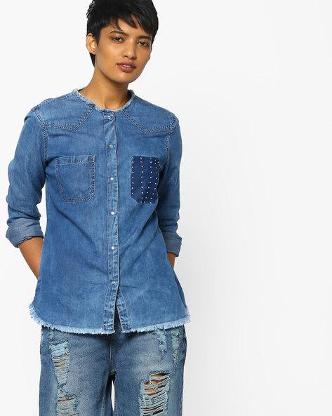 Frayed Denim Shirt With Patch Pockets By AJIO ( Blue )