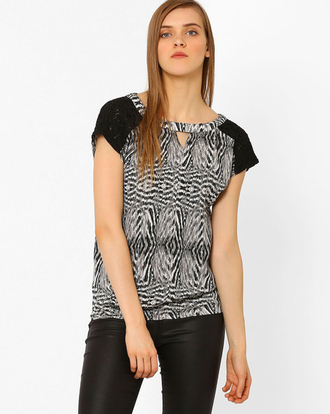 Printed Top With Lace Panel By CHM ( Multi )