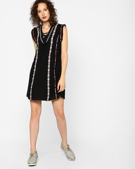 Embroidered Dress With Tie-Up Neckline By RI-DRESS ( Black )