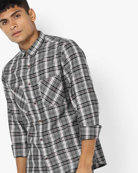 Checked Shirt With Twin Pockets By AJIO ( Green )