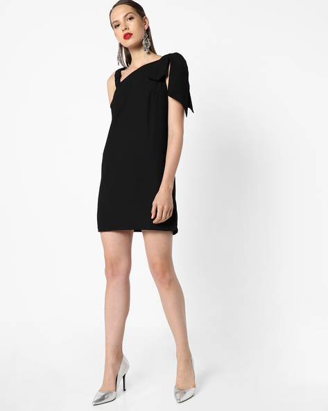 Shift Dress With Tie-Up Sleeve By AJIO ( Black )