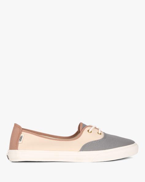 Colourblock Canvas Casual Shoes By Vans ( Brown )