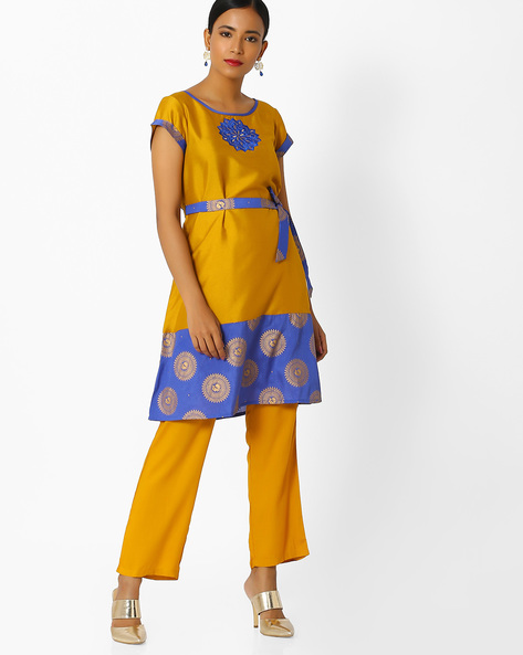 Kurta With Printed Tie-up Belt By Indian Ink ( Limegreen )