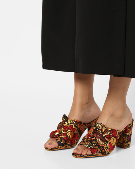 Floral Print Chunky Heels With Bow By AJIO ( Maroon )