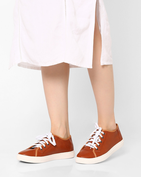 Low-Top Lace-Up Casual Shoes By Carlton London ( Tan )