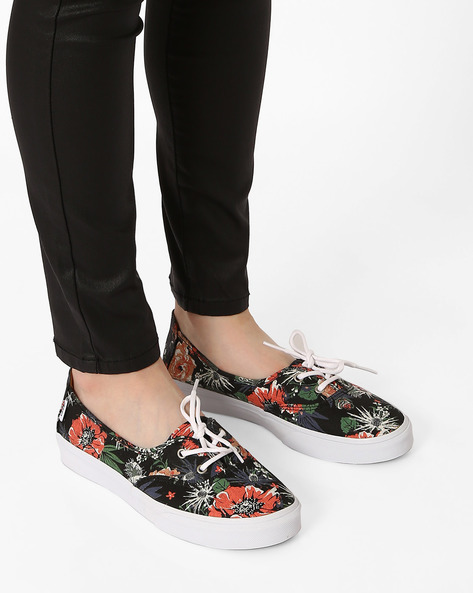 Desert Floral Casual Shoes By Vans ( Black )