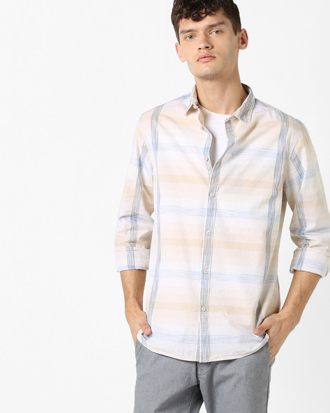 Checked Shirt With Spread Collar By AJIO ( White )