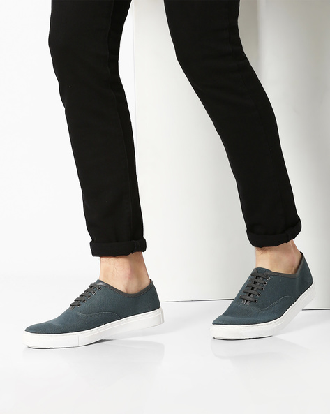 Low-Top Panelled Sneakers By AJIO ( Darkgrey )