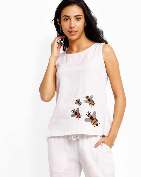 Sleeveless Top With Back Slit By AJIO ( White )