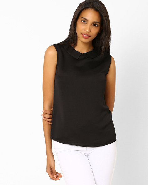 Pointed Flat Collar Sleeveless Top By AJIO ( Black )