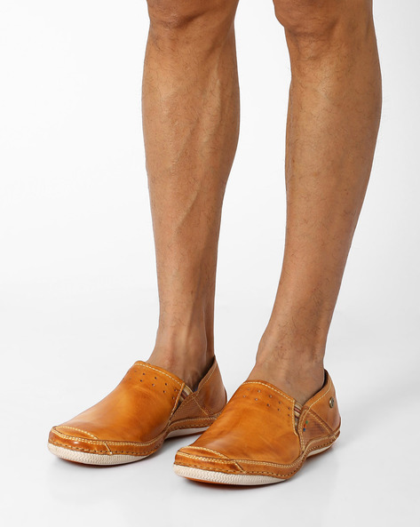 Slagron Leather Slip-Ons By BUCKAROO ( Tan )