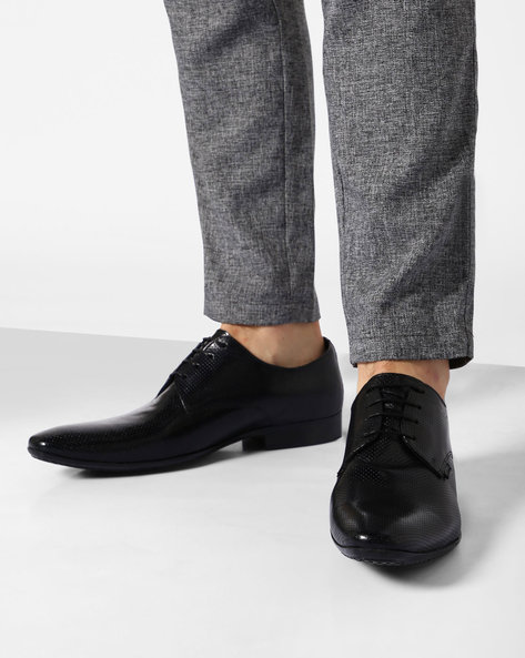 Genuine-Leather Textured Derby Shoes By RED TAPE ( Black )