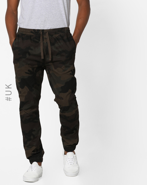 Camo Print Joggers With Drawstring Fastening By BRAVE SOUL ( Khaki )