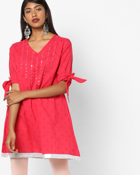 Slim Fit Tunic With Mirror Detailing By AJIO ( Coral )