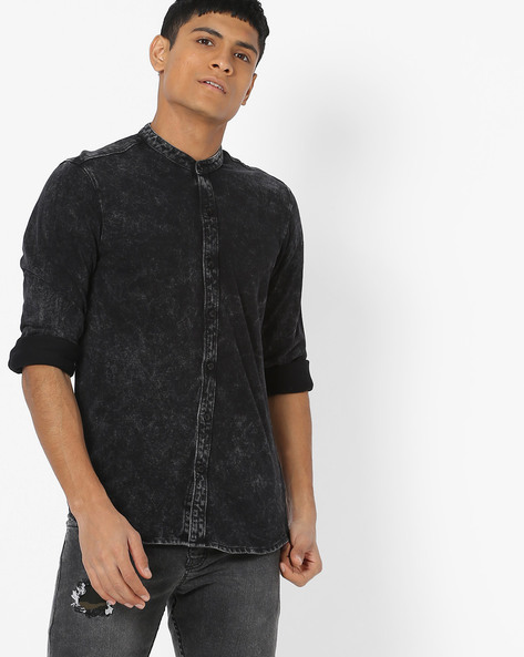 Slim Fit Denim Shirt With Band Collar By AJIO ( Black )