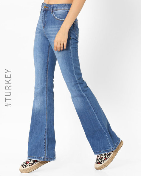 Lightly Washed Flared Jeans By TIFFANY & TOMATO ( Blue )