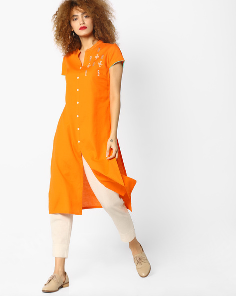 Embroidered Kurta With Front Slit By AJIO ( Orange )
