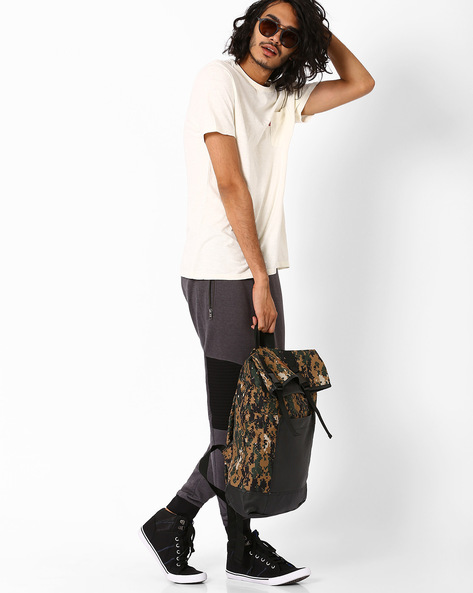 Camo Print Cycling Backpack By AJIO ( Olive )