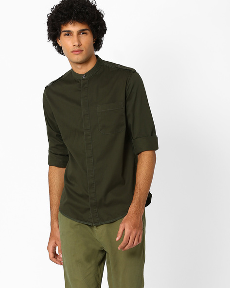 Regular Fit Adventure Utility Shirt By AJIO ( Olive )