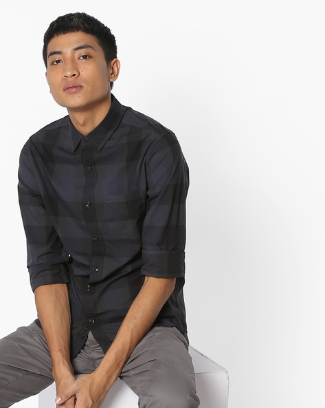 Slim Fit Checked Shirt By UNITED COLORS OF BENETTON ( Black )
