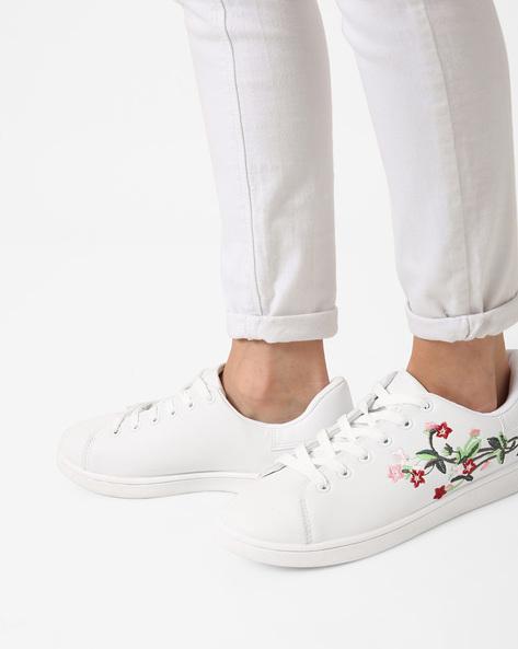Lace-Up Casual Shoes With Embroidery By Truffle Collection ( White )