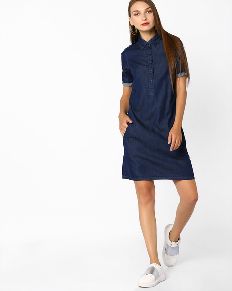 Denim Shift Dress With Button Placket By AJIO ( Blue )