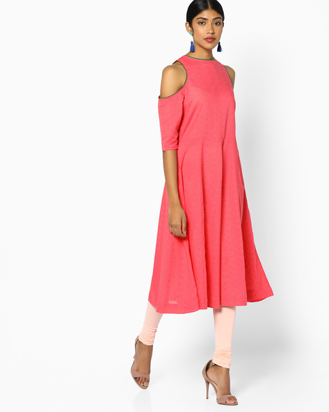 A-line Kurta With Cold-Shoulder Sleeves By Sassafras ( Pink )