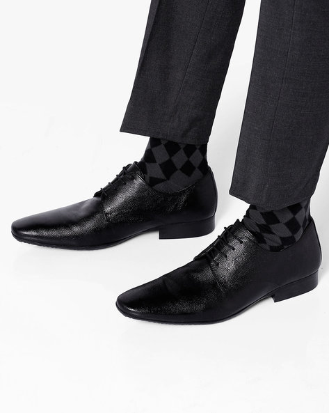 Genuine Leather Textured Formal Shoes By RED TAPE ( Black ) - 460079518001