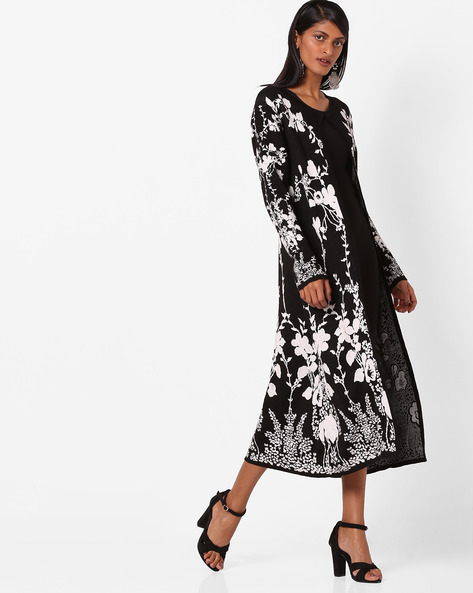 Knitted Long Shrug With Floral Pattern By W ( Black )