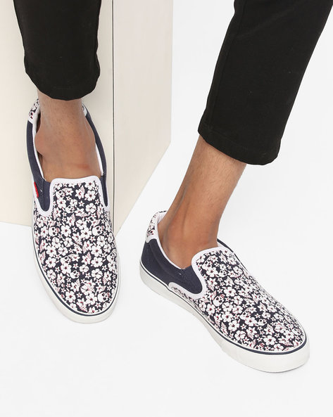Justin Canvas Slip-On Casual Shoes By LEVIS ( Navyblue )