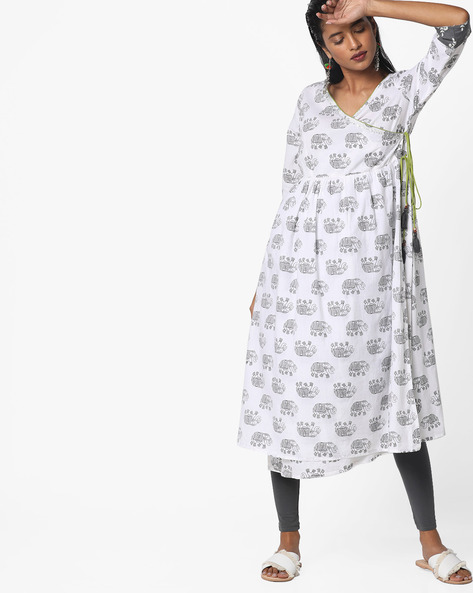 Printed Angrakha Kurta With Tassel Tie-Up By AJIO ( White )
