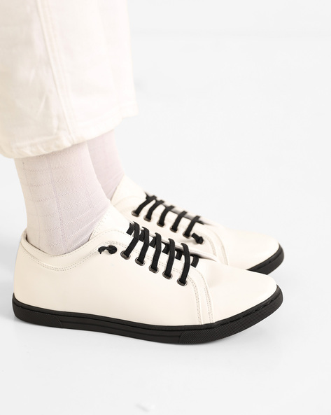 Low-Top Sneakers With Contrast Laces By AJIO ( White )