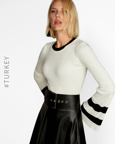 Knitted Sweater With Bell Sleeves By TRENDYOL ( Cream )