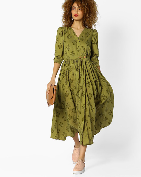 Printed Fit & Flare Dress With Surplice Neckline By AJIO ( Green )