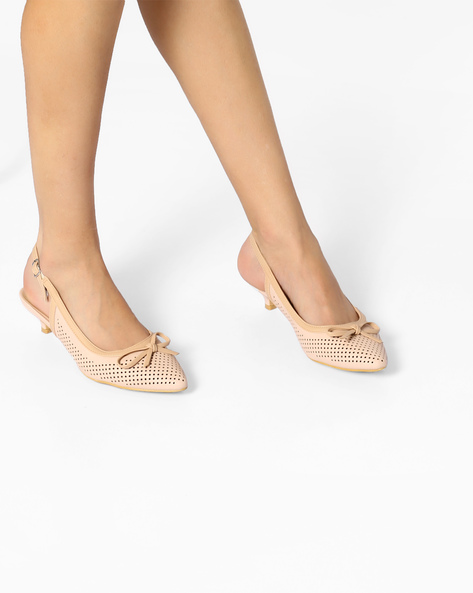 Laser-Cut Kitten Heels With Bow By AJIO ( Lgtpink )