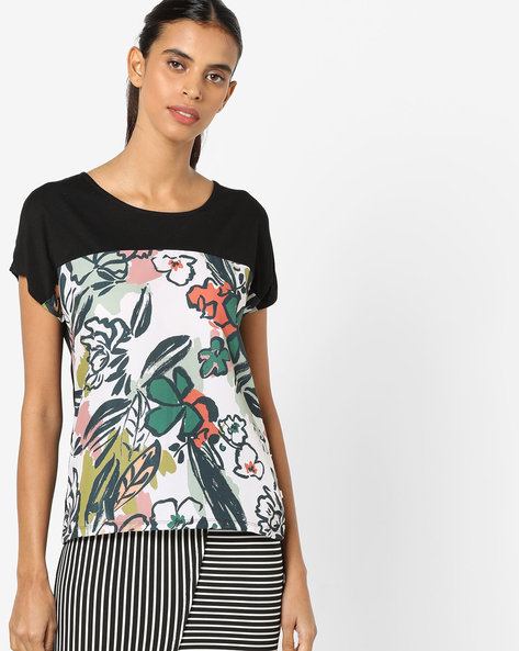Floral Print Top With Extended Short Sleeves By UNITED COLORS OF BENETTON ( Black )