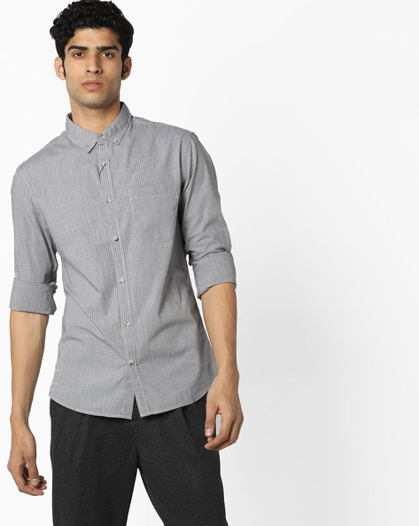 Slim Fit Checked Shirt With Button-Down Collar By AJIO ( Blue )