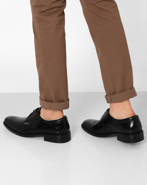 Leather Lace-Up Formal Shoes By VALENTINO ( Black )