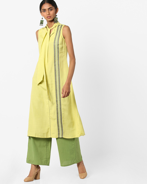 Embroidered A-line Kurta With Tie-Up By AJIO ( Mustard )