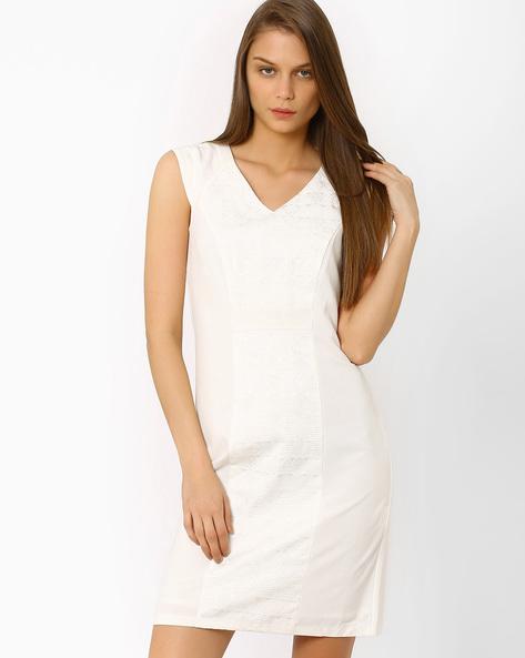 Jacquard Panelled Sheath Dress By AJIO ( White )