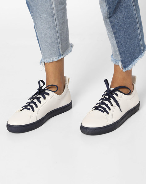 Casual Shoes With Contrast Lace-Up & Sole By AJIO ( Navy )