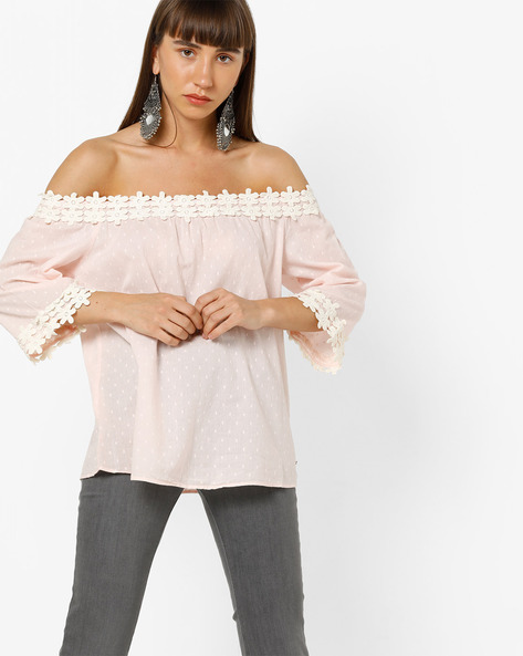 Off-Shoulder Top With Floral Trims By Vero Moda ( Pink )