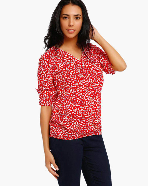 Printed Top By Style Quotient By Noi ( Red )