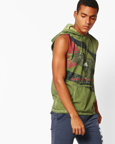 Graphic Print Sleeveless T-shirt With Hood By DNM X ( Olive )