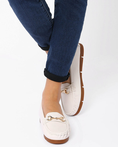 Loafers With Metallic Detail By Carlton London ( Beige )