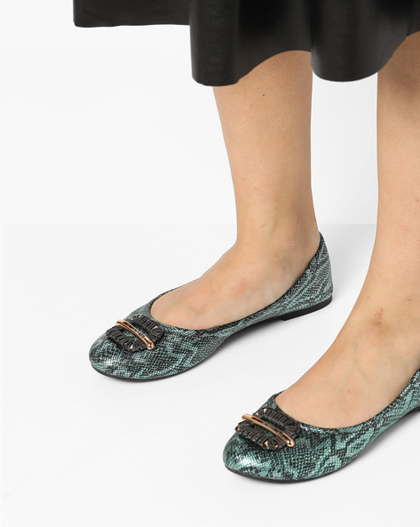 Reptilian Ballerinas With Metallic Detail By Carlton London ( Blue )