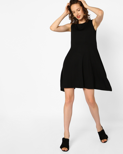 Sleeveless Skater Dress By AJIO ( Black )
