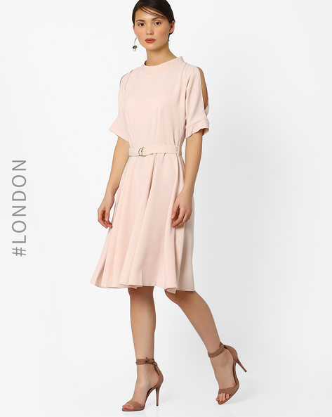 Belted Dress With Cut-Out Sleeves By Closet London ( Lightpink )