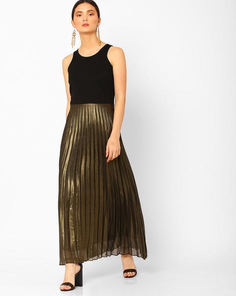 Colourblock Maxi Dress With Pleats By AJIO ( Black )