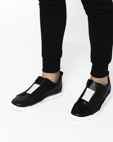 Slip-Ons Sneakers With Elasticated Gussets By AJIO ( Black )